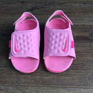 Nike Toddler size 6 velcro sandals